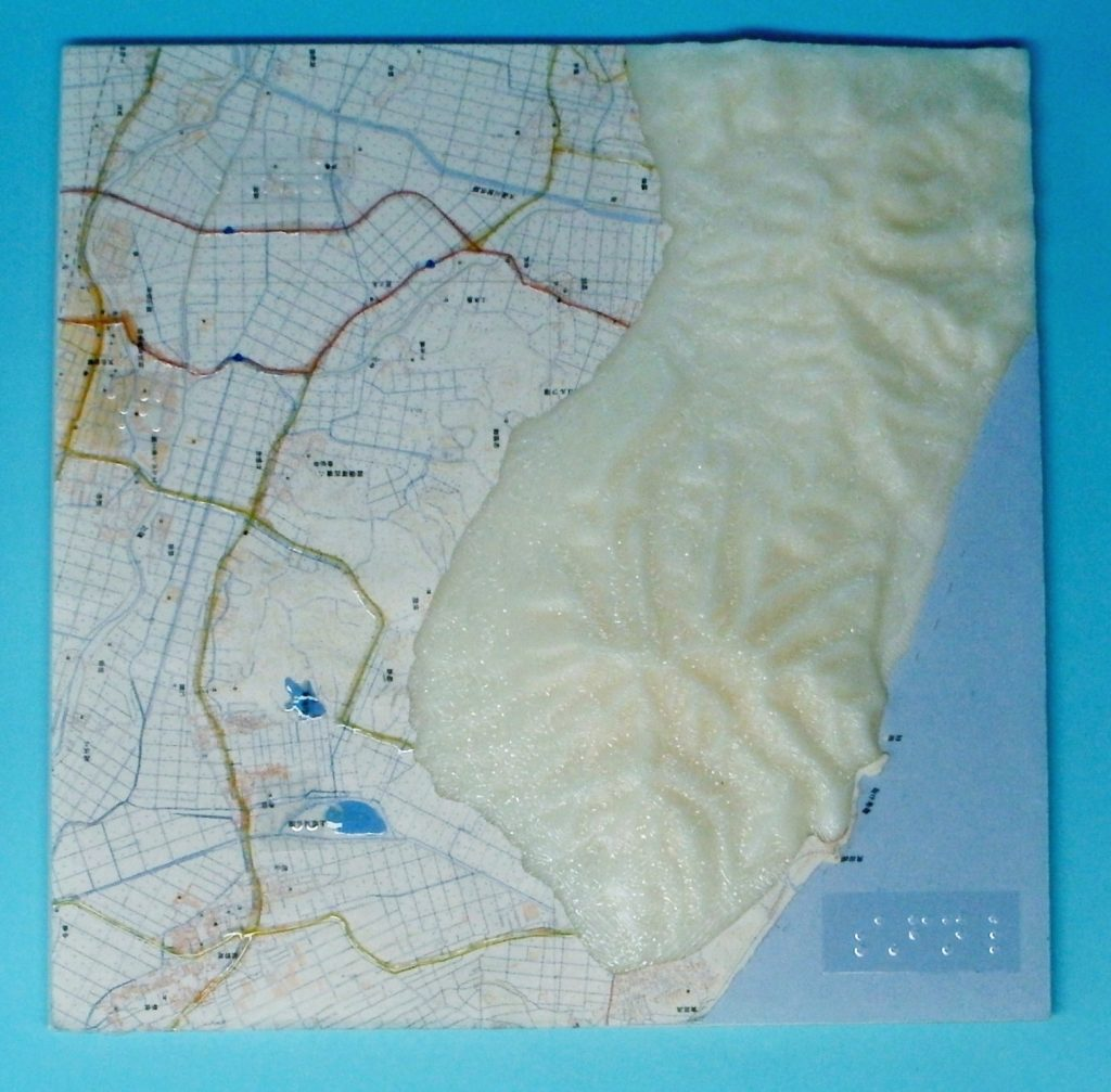 角田山(新潟県)の地形模型(上面)